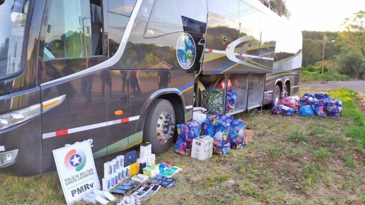 SC: PM apreende ônibus com produtos contrabandeados na SC-489 em São Domingos
