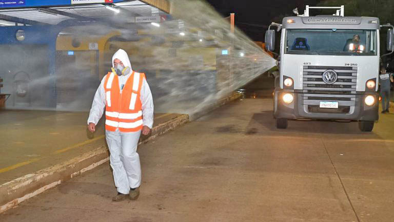 Campo Grande inicia desinfecção de terminais de ônibus