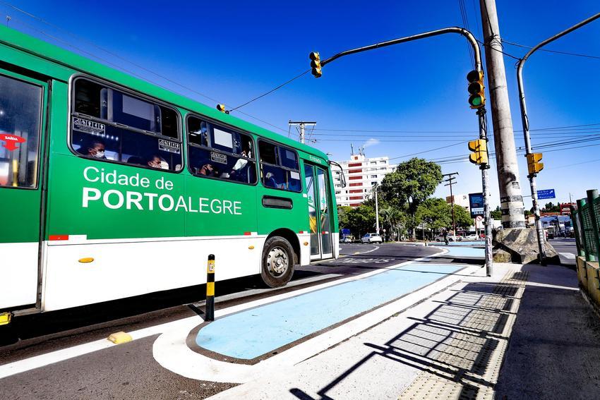 Porto Alegre anuncia recuperação do corredor de ônibus da Azenha nesta terça-feira