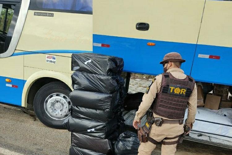 BA: Polícia Rodoviária apreende passageiro da Novo Horizonte com contrabando em ônibus na BR-030