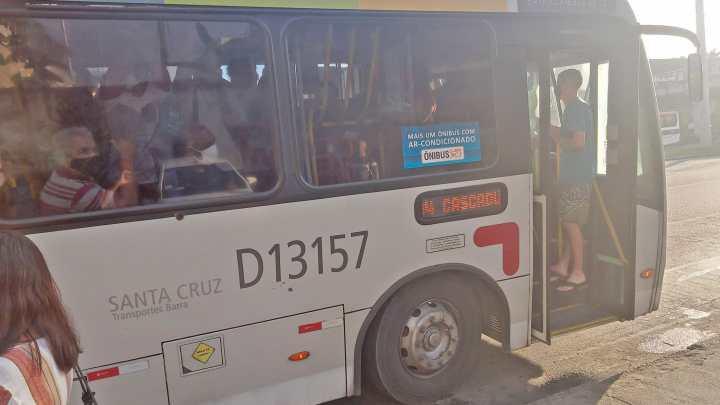 Rio: Passageiros denunciam superlotação em ônibus da Zona Oeste