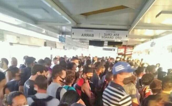 Rio: Ônibus do BRT apresentam problemas e aglomerações nas últimas 24 horas