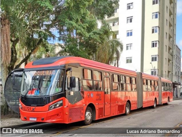 Curitiba afirma que ônibus municipais circulam com no máximo 50% de ocupação de passageiros