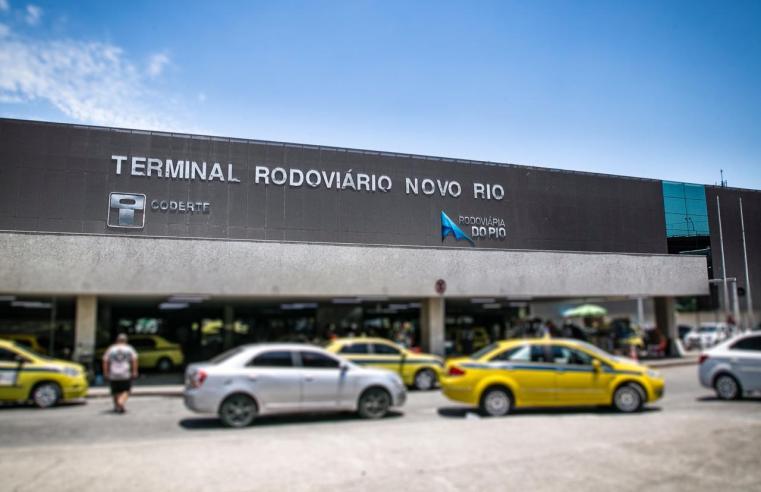 Polícia Civil prende trio que comprava e revendia ilegalmente passagens na Rodoviária do Rio