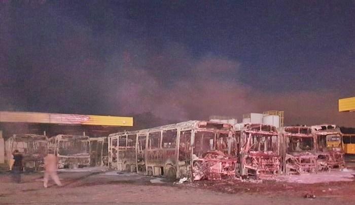 SP: Viação Jundiaiense teve oito ônibus destruído pelo fogo. Polícia segue investigando o incidente – Vídeo