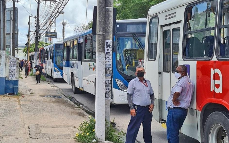 Maceió: Rodoviários paralisam ônibus em protesto nesta quinta-feira