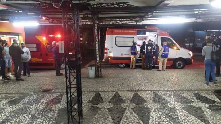 Curitiba: Idoso acaba preso por esfaquear jovens no Terminal do Hauer
