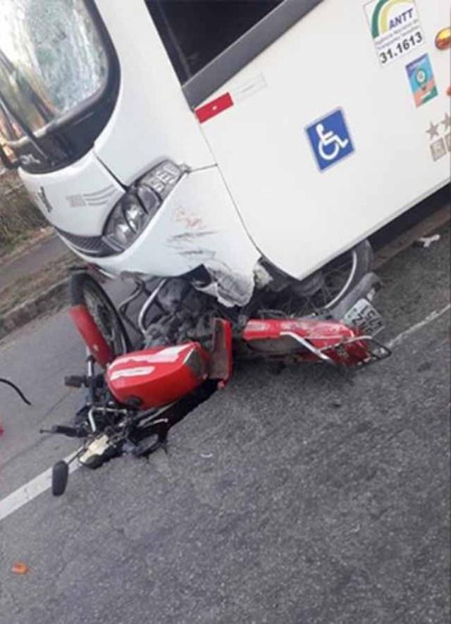 MG: Acidente entre moto e ônibus deixa um morto em Ipatinga - revistadoonibus