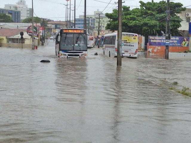 João Pessoa alerta para redução temporária da frota de ônibus por conta das chuvas - revistadoonibus
