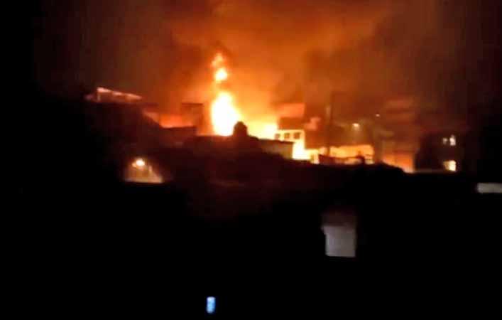 São Paulo: Bandidos incendiam dois ônibus na Zona Sul após furtarem caixas eletrônicos