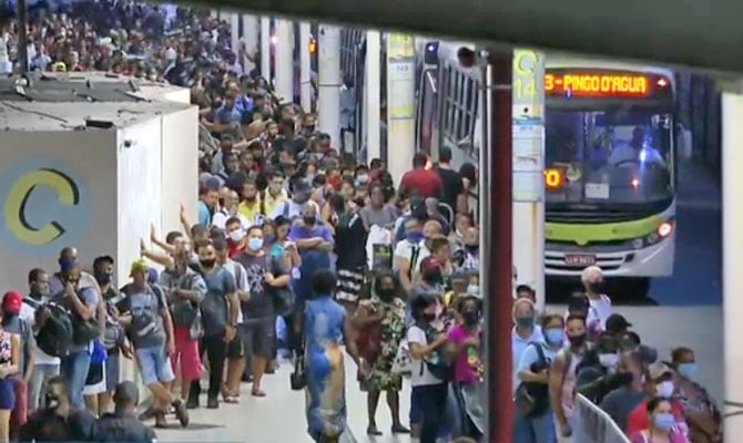 Prefeito do Rio gastou mais de R$ 500 mil para disponibilizar ônibus extra no BRT