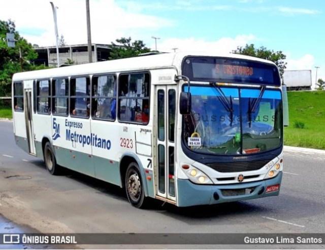 Vídeo: Ônibus é incendiado por traficantes em Simões Filho na Bahia - revistadoonibus