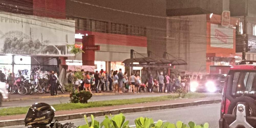 SP: Moradores de Cubatão reclamam de atrasos e lotação em ônibus da Fênix