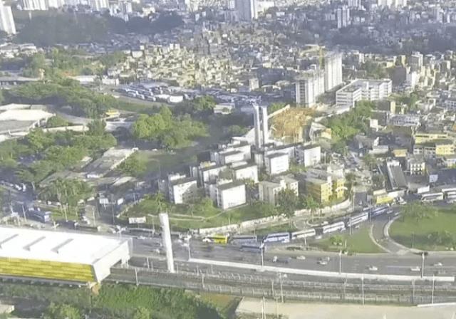 Vídeo: Rodoviários fazem protesto em Salvador por vacina contra a Covid-19 - revistadoonibus