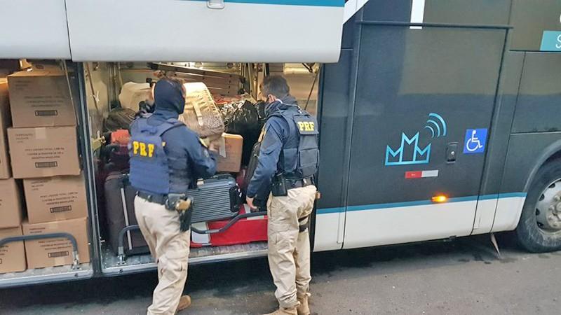 RS: PRF prende procurada pela justiça do Amapá em fiscalização na BR-470 na Serra Gaúcha