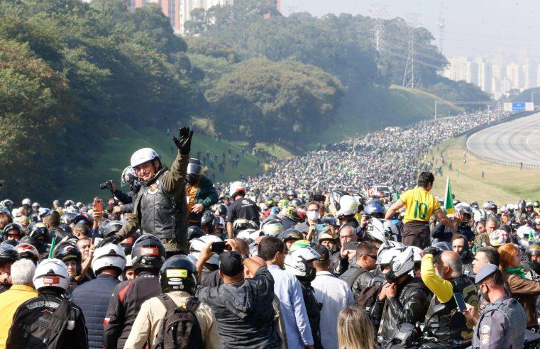 São Paulo: Motociata com Bolsonaro causa lentidão de linhas de ônibus e desvia sete itinerários na Zona Norte