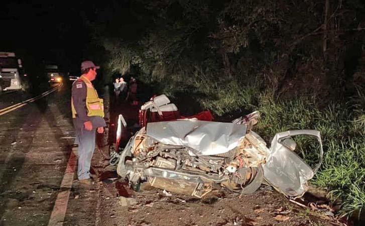 SC: Ônibus tomba após acidente com carro na BR-158 em Caibi - revistadoonibus