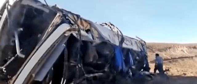 Peru: Ônibus despenca de abismo e deixa 27 funcionários de mineradora mortos - revistadoonibus