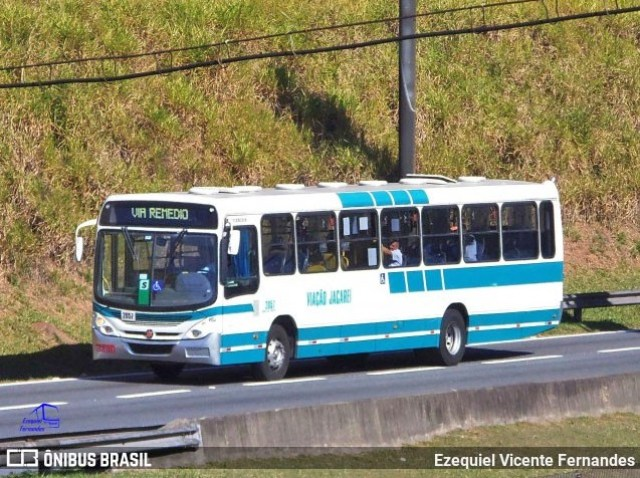 SP: Ônibus acaba incendiado durante protesto por ação da Polícia em Jacareí - revistadoonibus