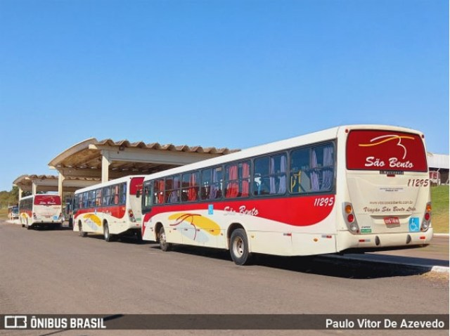SP: Ônibus da Viação São Bento pega fogo na Rodovia Abrão Assed - SP-333 - revistadoonibus