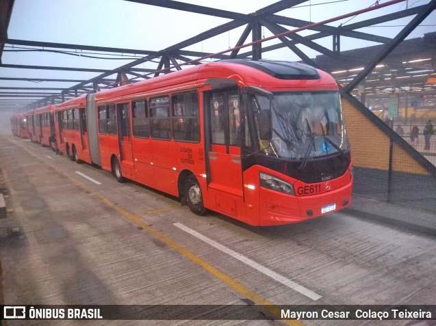 Curitiba leva vacinação contra a gripe a dez terminais de ônibus