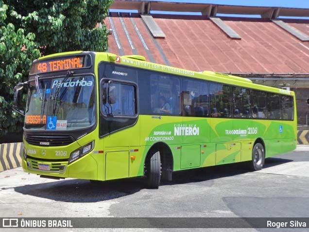 RJ: Ônibus da Viação Pendotiba circula lotado neste feriado em Niterói