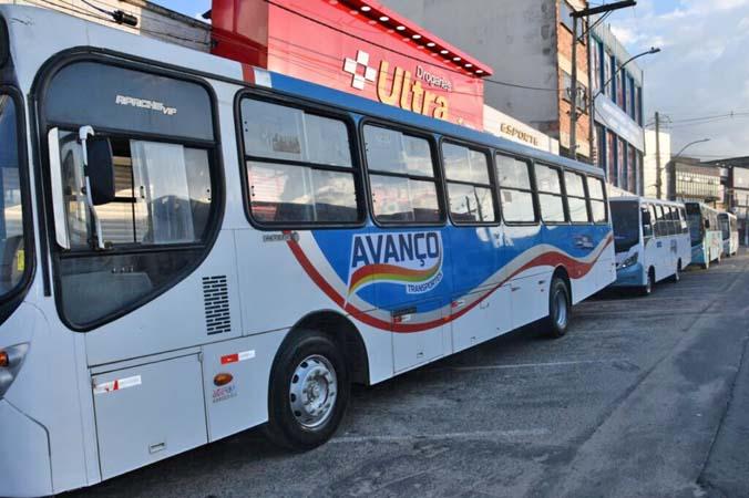 BA: Prefeitura de Alagoinhas apresenta ônibus da frota emergencial