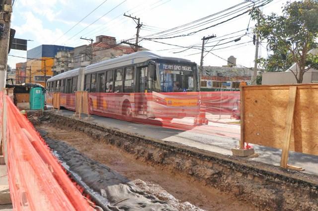 São Paulo: Obras de melhorias em faixas de ônibus da zona leste chama a atenção - revistadoonibus