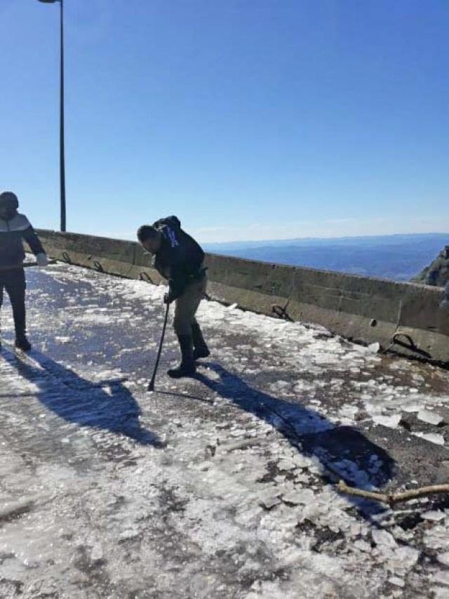 SC: Congelamento das pistas mantém bloqueio na Serra do Rio do Rastro - revistadoonibus