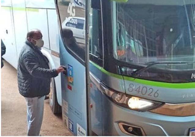 PR: Prefeito de Borrazópolis deixa carro e usa ônibus em viagem para Curitiba