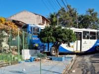 SP: Ônibus da Onicamp Transporte invade casa e deixa idosos feridos em Campinas - revistadoonibus