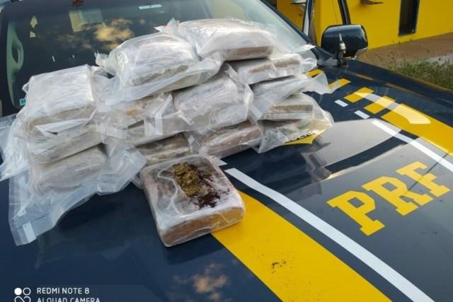 Goiânia: PRF prende passageiro de ônibus com 20kg de entorpecente em ônibus - revistadoonibus