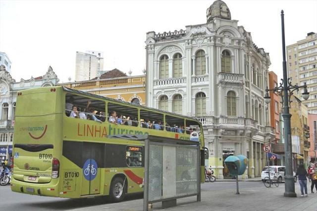 Curitiba: Linha Turismo volta a funcionar a partir deste sábado - revistadoonibus