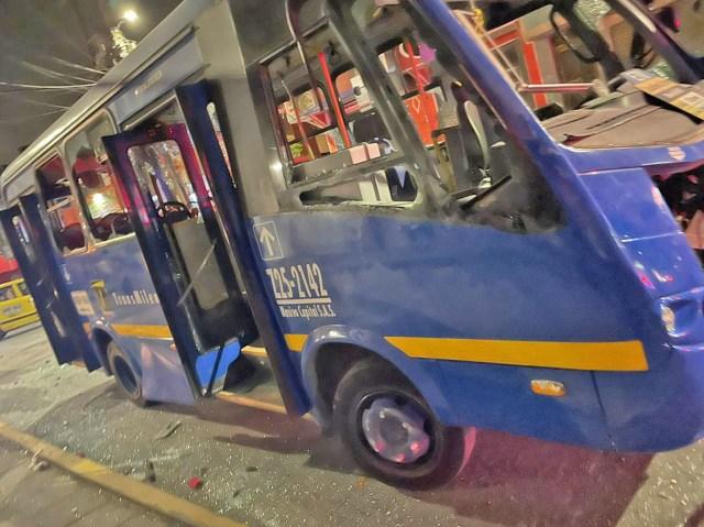 Vídeo: Manifestação em Bogotá afeta o sistema de transporte Transmilenio - revistadoonibus