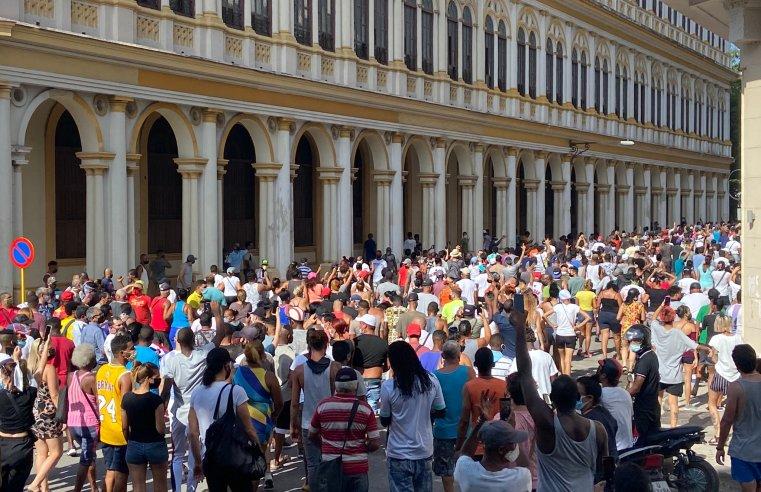 Cuba: Manifestação contra a ditadura suspende o transporte neste domingo