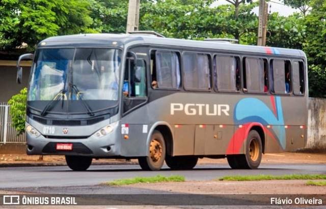 PR: Ônibus da PGTur prensa carro contra carreta deixando dois mortos na PR-151 em Castro - revistadoonibus