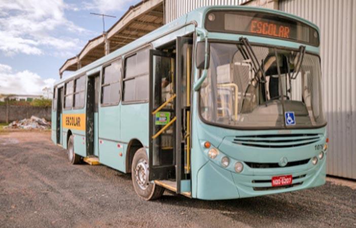 BA: Camaçari disponibiliza ônibus escolar para alunos da rede estadual
