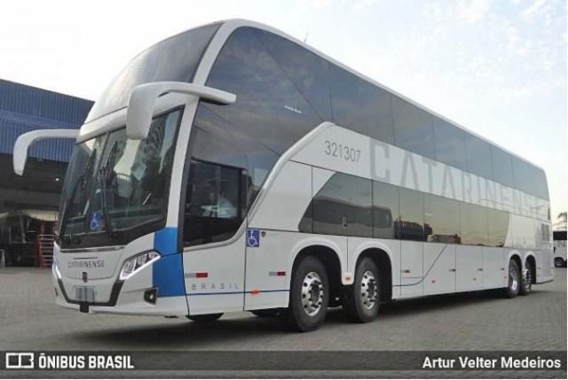 Auto Viação Catarinense disponibiliza ônibus Busscar DD Scania com 68 poltronas - revistadoonibus