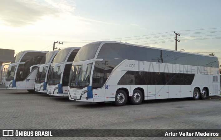 Auto Viação Catarinense disponibiliza ônibus Busscar DD Scania com 68 poltronas