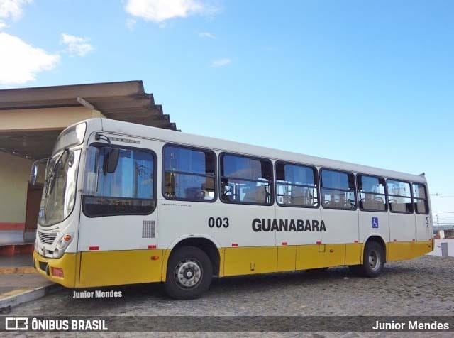 Bandido assalta ônibus em Natal com uma criança no colo