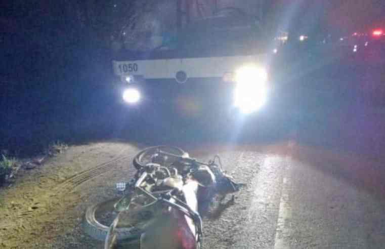 MG: Acidente entre moto e ônibus deixa um morto em Várzea da Palma