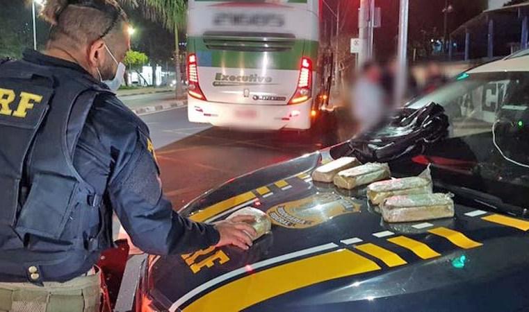 SP: Passageiro de ônibus é preso na Rodovia Fernão Dias com material entorpecente