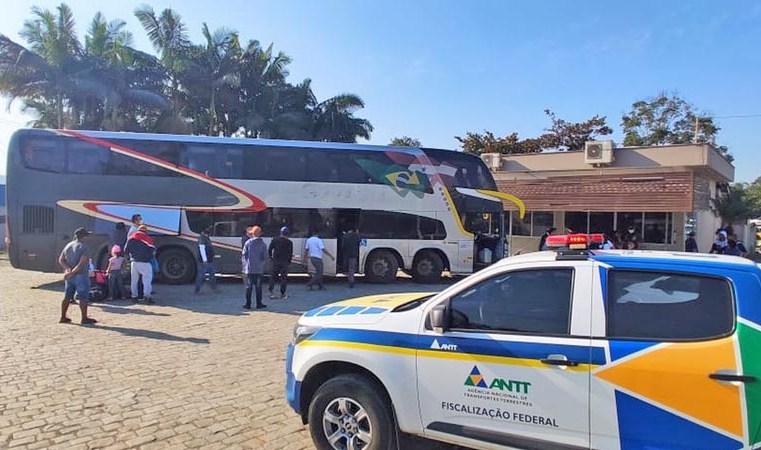 SC: ANTT apreende ônibus durante fiscalização em Garuva