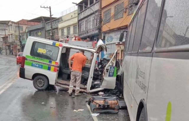 Vídeo: Acidente entre van e ônibus deixa seis feridos na Zona Norte do Rio de Janeiro - revistadoonibus
