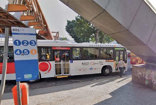 Rio: Homem acaba baleado em ponto de ônibus na Cidade Nova