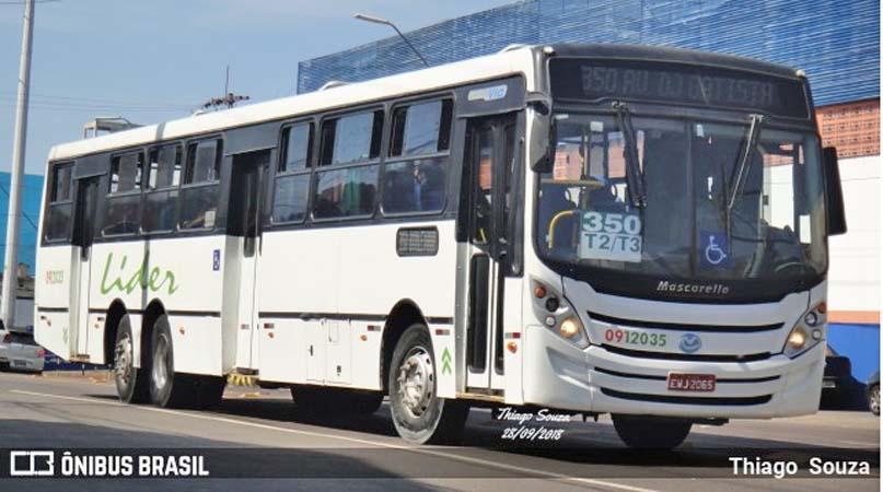 Manaus: Bandidos assaltam ônibus na Avenida Nilton Lins