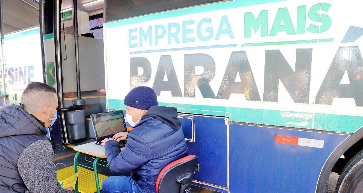 Ônibus Emprega Mais Paraná leva 2 mil vagas de emprego para a região Norte