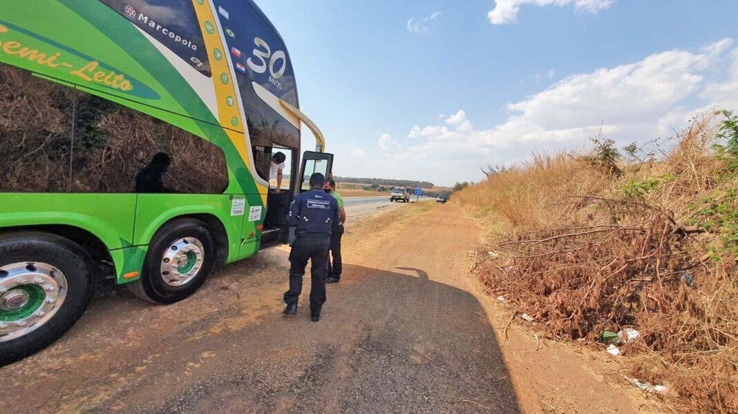 Goiânia: Fiscalização da ANTT apreende 12 ônibus em situação irregular