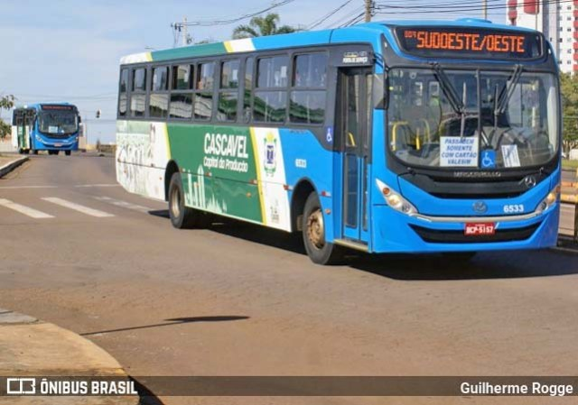 PR: Colisão entre carro e ônibus deixa duas pessoas feridas em Cascavel neste sábado - revistadoonibus
