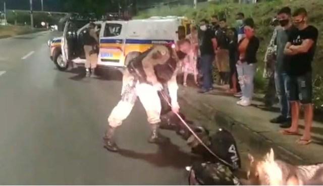 Belo Horizonte: PM prende duas passageiras de ônibus durante fiscalização em ônibus - revistadoonibus